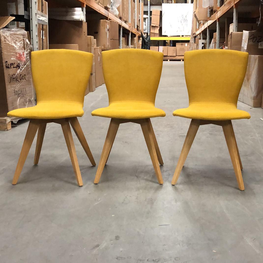 Ex display Jay 21 chair in Mystic Mustard fabric (210590)