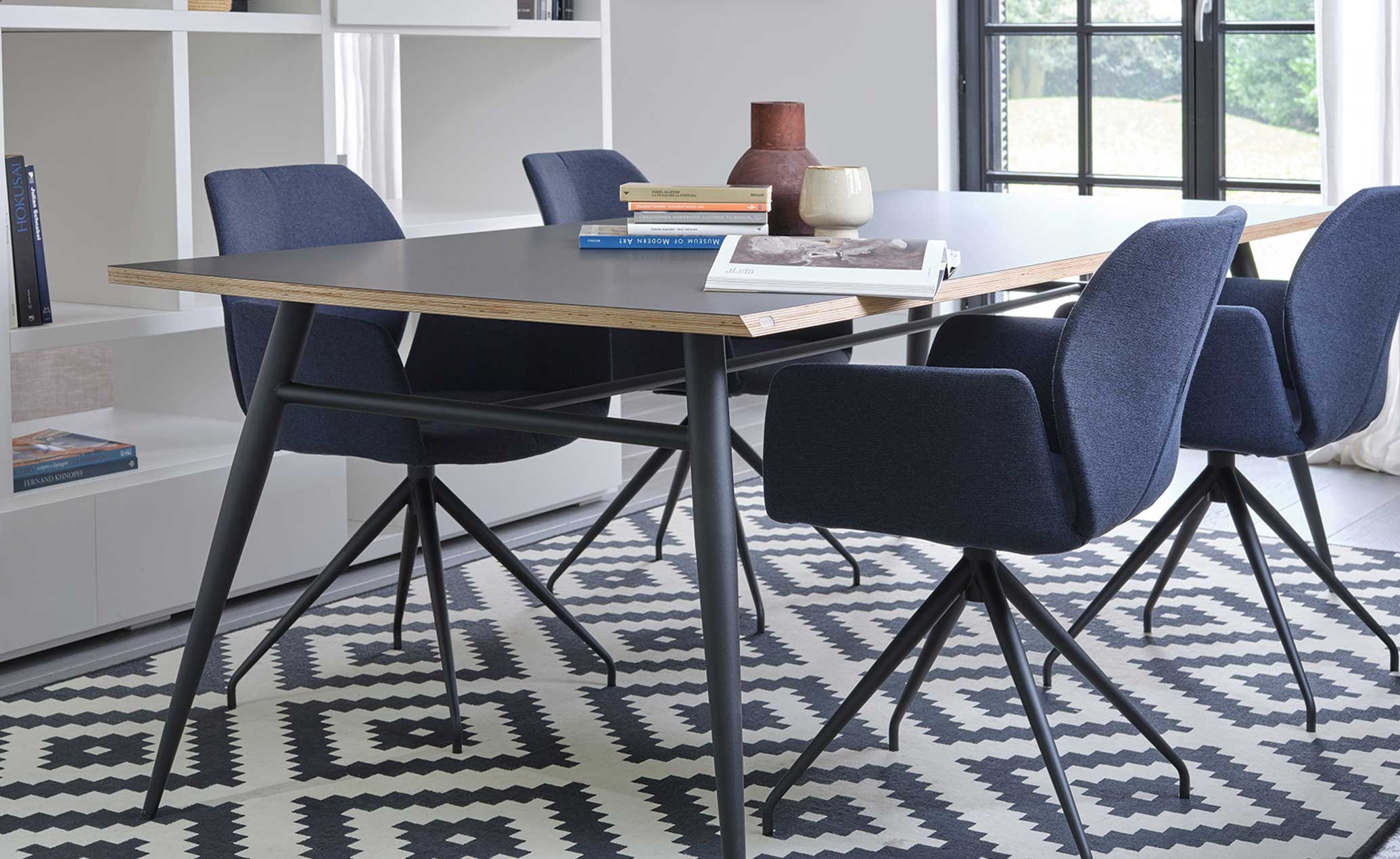 Tate Fenix dining table