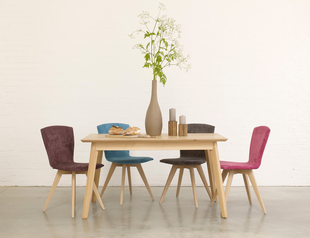 Dining room furniture oak dining table and chairs with bench for Dining table with bench