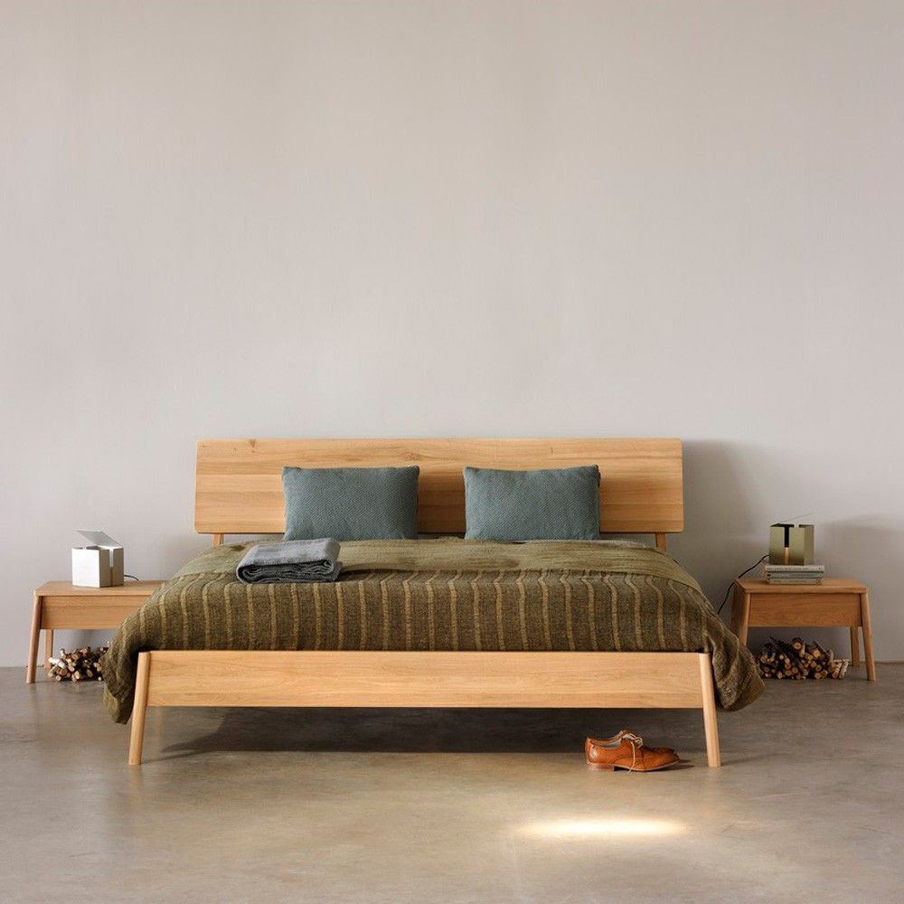 Ethnicraft air bed oak aif for Air furniture