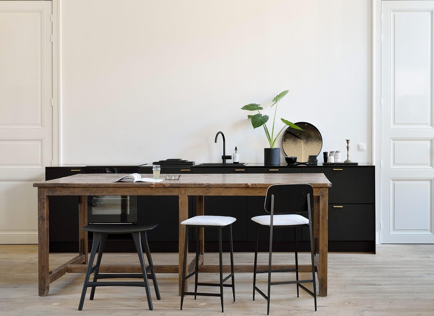 Ethnicraft DC Bar Stool Without Backrest – Light Grey