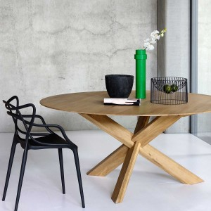 Ethnicraft Circle oak dining tables - 136cm