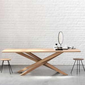 Ethnicraft Mikado oak dining table