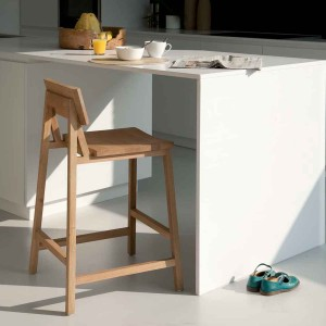 Ethnicraft Oak N3 kitchen counter stool