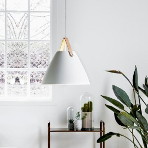 Strap 36 pendant - white