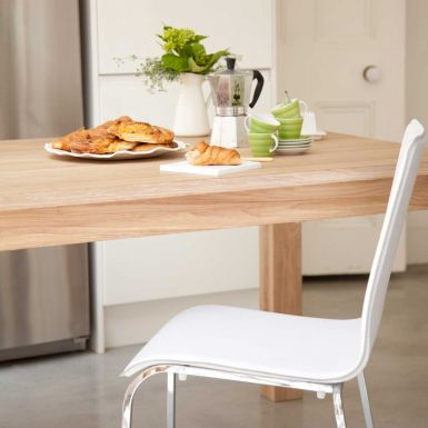 Brooklyn extending oak dining table