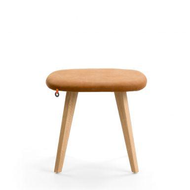 Clapton pouf H42 - wooden legs