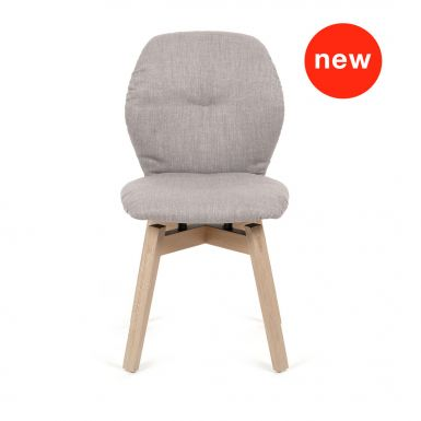 Jay 90 chair with wood legs