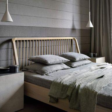 Ethnicraft Oak Spindle beds
