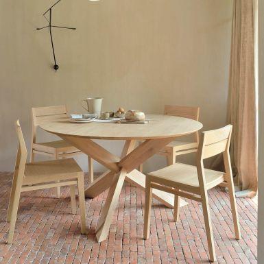 circle-oak-dining-table-detail